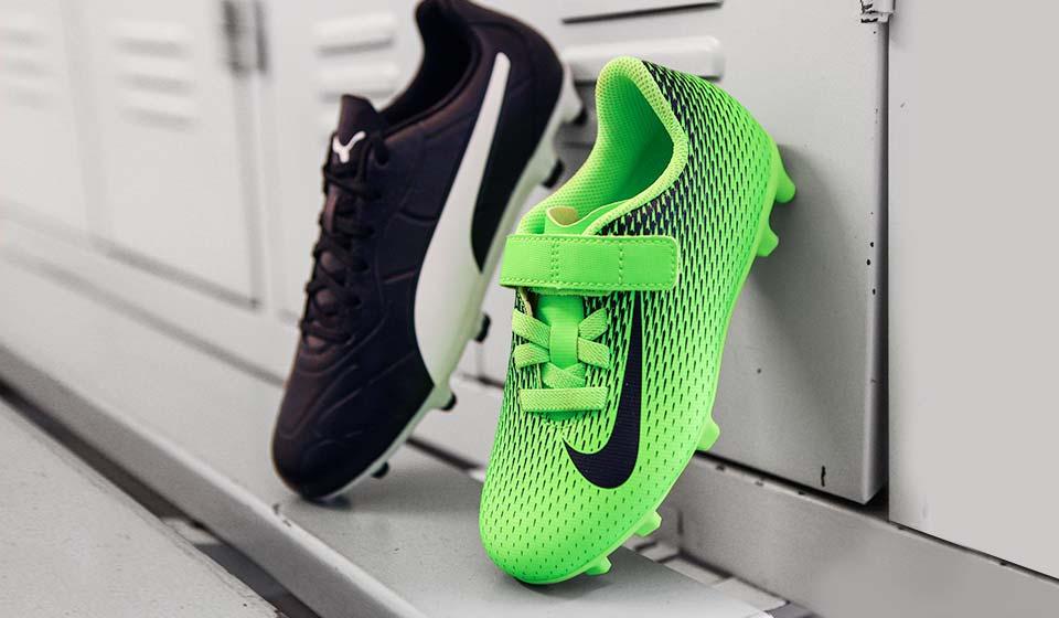 Günstige Fussballschuhe für Kids von adidas, Nike und PUMA