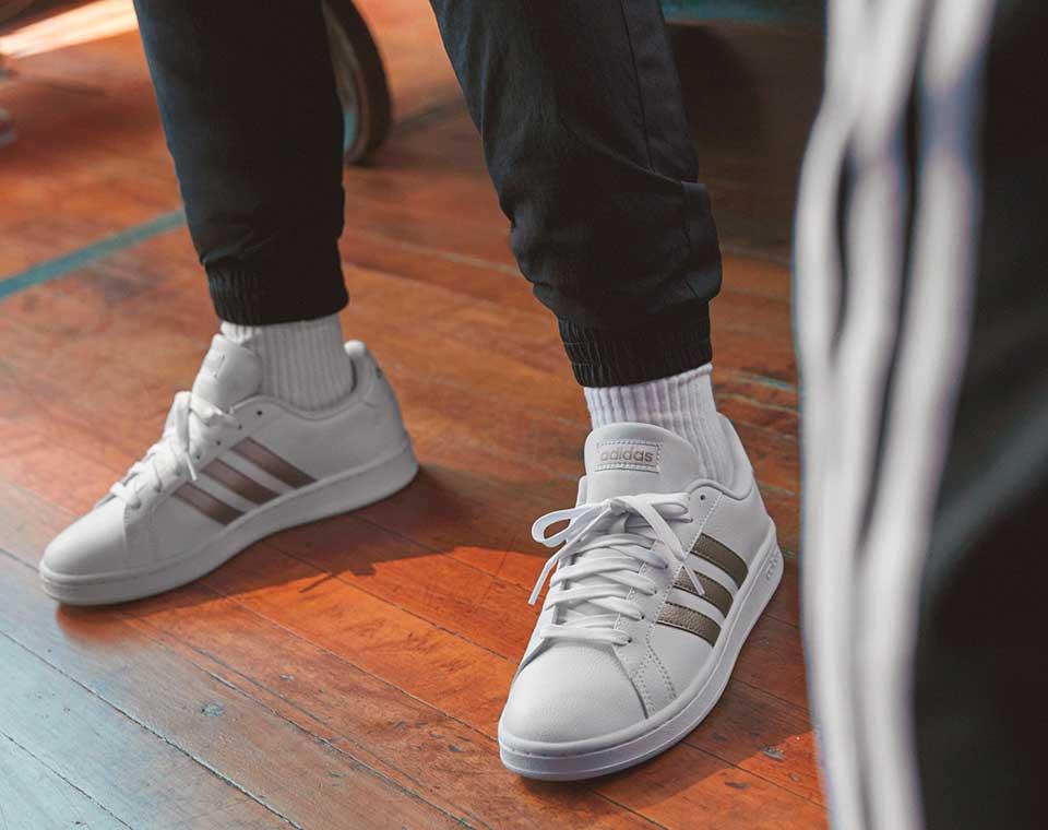 adidas Core Classic Sneaker im Court Style für die ganze Familie online kaufen auf schuhcenter.de
