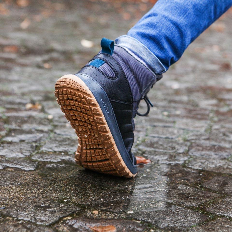 Mit Sneakern durch den Winter