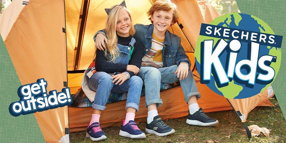 Skechers Kinder Sneaker mit Leuchtsohlen, coolen Glitzereffekten und Prints