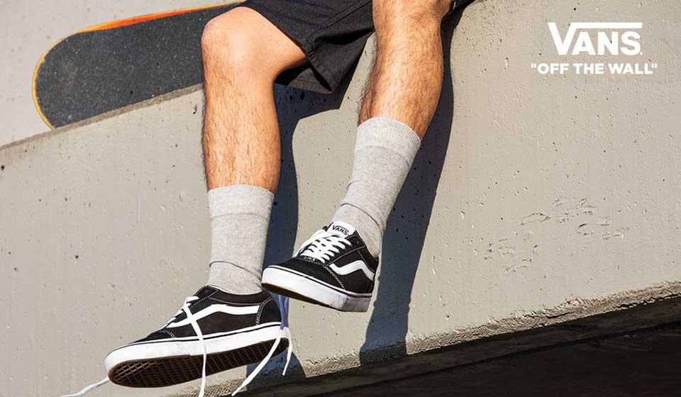 Skater Style mit Vans Sneakern jetzt bei Siemes Schuhcenter online shoppen