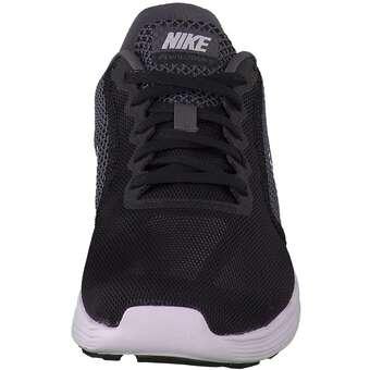 Nike Performance Revolution 3
